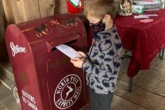 Santa-mailing-letter